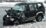Лобовое столкновение джипа Isuzu и грузовика МАЗ в Минске