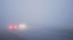 ГАИ просит водителей не спешить с включением фар в гололедицу и туман